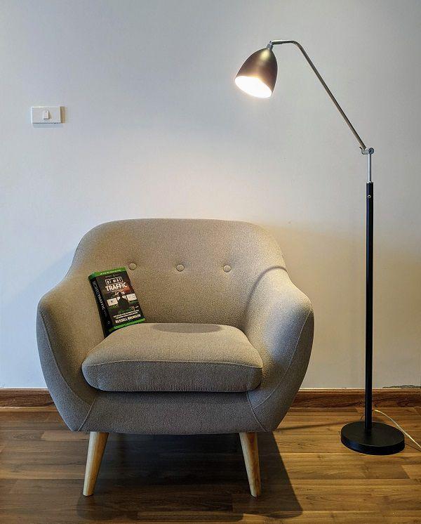 Đèn cây đọc sách